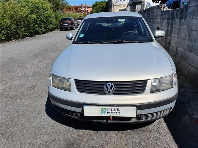 Volkswagen Passat 1.8 GASOLINA (3B2) (1998) 92KW